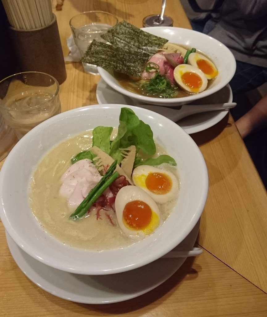 kagari paitan and niboshi